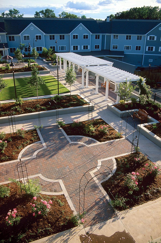 glenmeadow courtyard