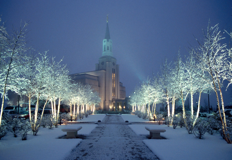 BostonTemplepath-snow