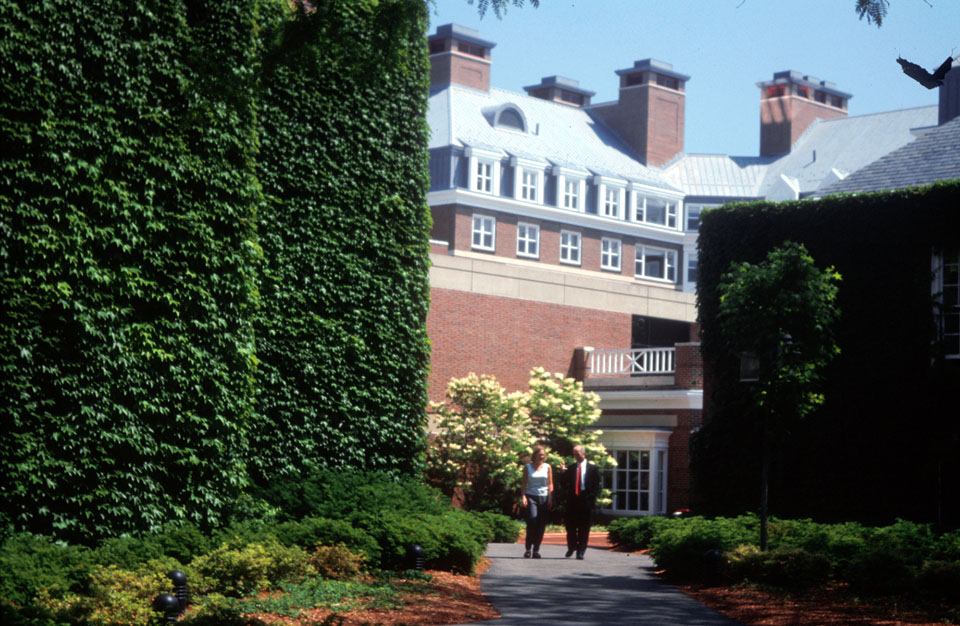 hbs exec residence