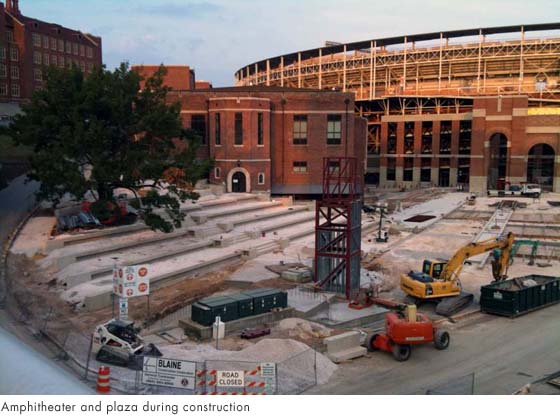 Option1_AmphitheaterPlaza_fromwikipediacommons_Construction